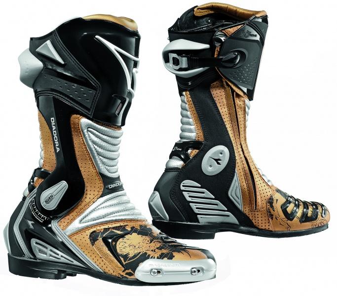 59812fa6898 XTREME AIR - moto boty Diadora